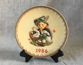 "Vintage 1986 Hummel ""Playmates"" Collectors Plate"
