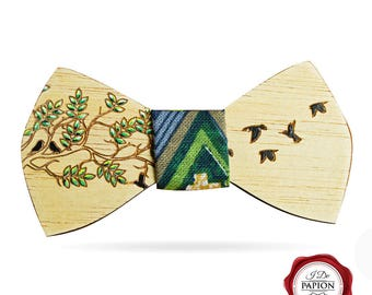 Wood bow tie / wooden bow tie/engraved bow tie / painted bow tie / birds bow tie / gift for him / elegant bow tie / unique bow tie