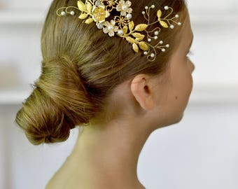 Wedding comb Gold flowers hair comb pearl vines hair back Bridal head piece gold leaves hair comb exquisite