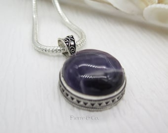 Round Shape Filigree Fluorite Sterling Silver Pendant and Chain