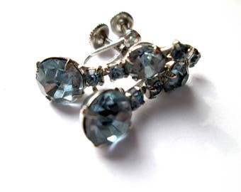 Vintage Signed Coro Claw Set Light Blue Topaz Rhinestone Silver Tone Dangle Screw Back Earrings