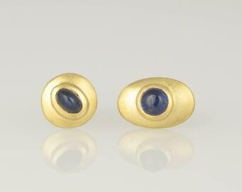 Studs • Sapphire • gold • 18 K