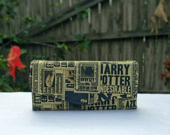 "Harry Potter Aged Daily Prophet Phone Clutch Wallet ""A"""