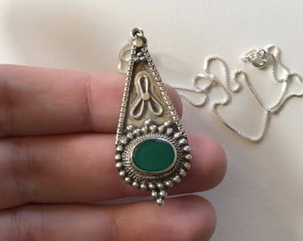 Vintage Green Onyx Relief Teardrop Design 925 Sterling Silver Earring Pendant