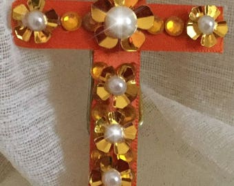 Large size magnetic cross