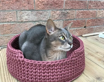 Pet Bed / Cat Bed / Dog Bed / Cat Basket / Dog Basket / Dog / Cat