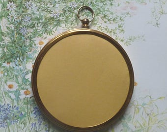 "VINTAGE 1960s 3"" PICTURE FRAME..small round brass / gold metal..Antique Georgian style..velvet back top loop..7.5cm circular..heirloom photo"