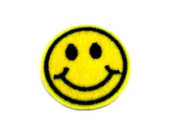 Small Smiling Face Emoji Iron on Patch, Smiling Face Patch, Emoji Patch, Happy Emoji Patch, Emoji Appliqué, Emoji Patch for Clothes - H455