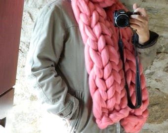 Oversize Knit Scarf. Chunky Knit Scarf. Pink Bulky Scarf. Arm Knitted Scarf. Merino Giant Knit. Gift for Women. Gft for Her. Christmas Gift.