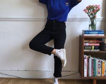 Vintage t shirt in dark blue. Men's  size M. 90's era.