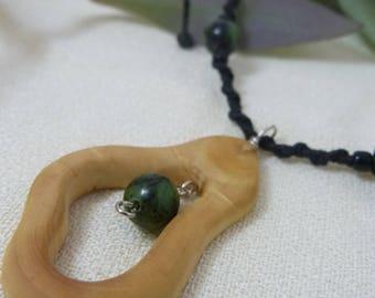Original box and chrysoprase stone necklace