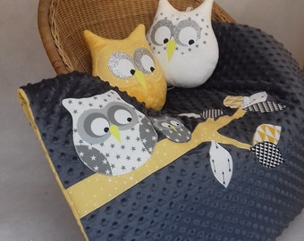 OWL on a branch in gray/yellow plaid