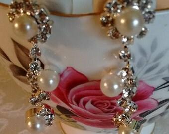 Sweet Little Pearl/Rhinestone Earrings-