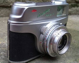 Vintage 1959 AKW Arette Super P 35mm Film Camera.