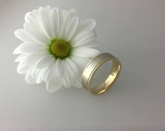 9ct two tone 6mm comfort fit wedding band white and yelllow gold. Totally handmade. Yellowand white gold weddign band.