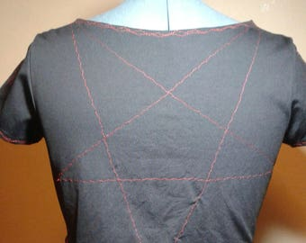 The Inverted Star Cut-Off Top