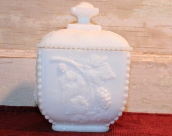 Vintage Westmoreland Beaded Grape Milk Glass Covered Dish