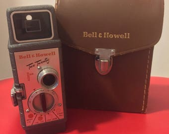 Vintage Bell & Howell Model 220 8mm Movie Still Camera with Case - Working!