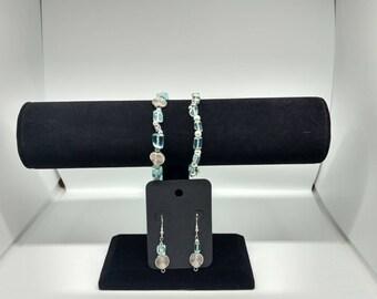 Glass bead bracelet and earrings set