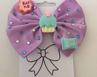 Eat Me Cupcake Sparkly Novelty Hair Bow