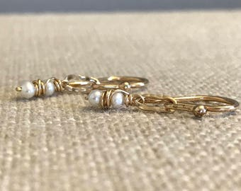Pearl and Hammered Link Earring