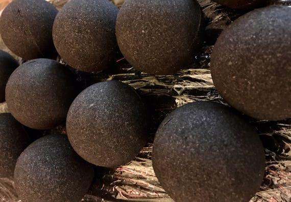 Organic Charcoal Bath Bomb - Lush Extra Large - 4