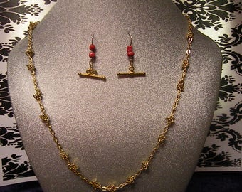 gold knotted chain Necklace and mixed gold piece earring set