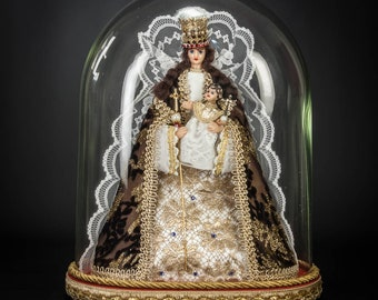 """Virgin Mary with Child Jesus Statue 