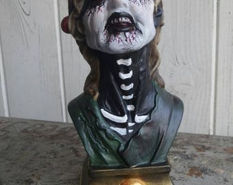 Zombie Day of the Dead pirate bust
