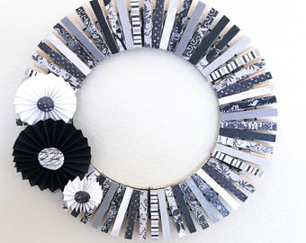 Black and White Clothespin Wreath - Elegant Wreath - Home decor - Grey wreath - Sophisticated Wreath - Wall Decor - Front Door Decor - Paper