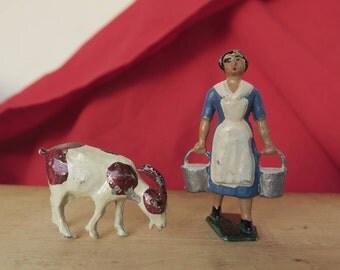 2 Figurines en plomb anciennes peintes à la main d'époque début XX ème, chèvre et fermière, 2 Antique lead figurines hand painted
