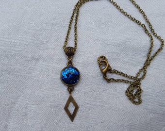 Small pendant resin inclusion, blue glitter and diamond charm