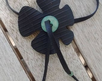 Ankle bracelet in inner tube recycled stylized flower and green button - jewelry - chain anklet - ankle strap ankle
