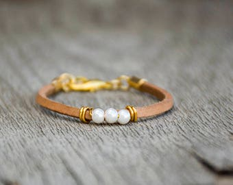Pearl Beads Bracelet, Leather Bracelet For Women With Beads, Leather Lace Bracelet, Glass Beads Bracelet, Bridesmaid Bracelet, Wrapped cuff.