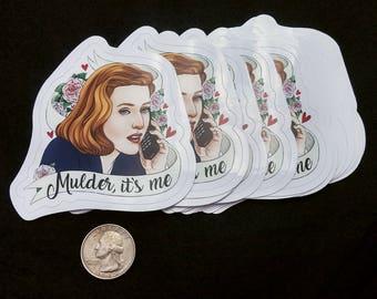 "XFiles ""Mulder, it's me"" Scully vinyl sticker. 3""x3"""