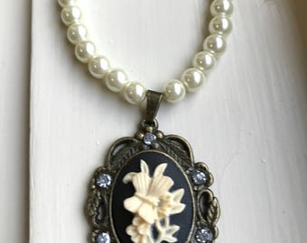 Butterfly Cameo Pearl Necklace