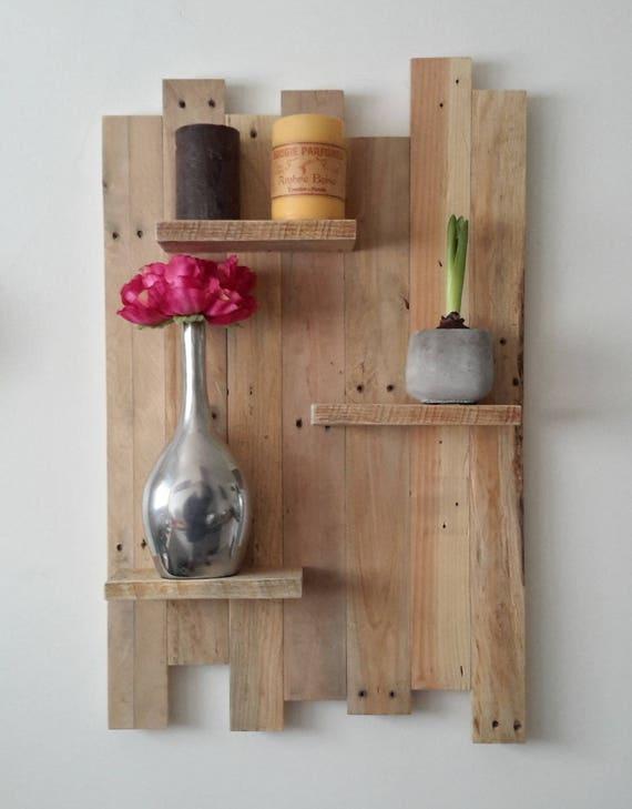 etag re murale en bois de palettes. Black Bedroom Furniture Sets. Home Design Ideas