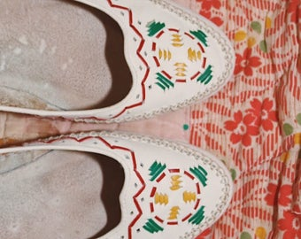 Women's Vintage 80s Dolcis Moccasin with Leather Upper and Stitching. Size 7