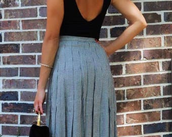 Vintage awesome black and white patterned skirt