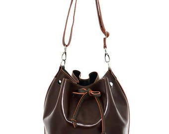 Brown bucket bag leather bag with leather lining in Green by ninok