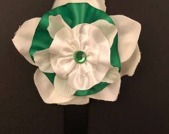 Green & White Layered Flower
