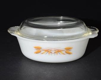 FIRE KING, Casserole Dish, with original lid, Golden Wheat, 1 1/2 Qt, Milk Glass, Serving Dish harvest wheat, Vintage Fire King, 2pc, 1960s