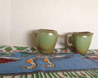 Frankoma sugar and creamer set 5DA & 5DB