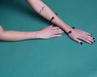 CAROLINA BLACK open cuff