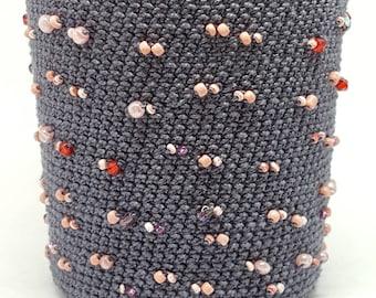 Hide Blue jar hook pink pearls
