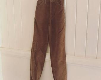 Brown corduroy high waist Lee vintage jeans size 7 ~ flattering fit