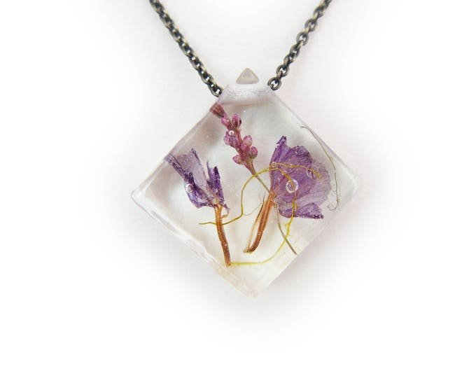 Purple Dried Flower Botanical Eco Resin Necklace •  Flower Resin Pendant • Terrarium Jewelry • Flower Jewelry • Botanical Jewelry •  Real