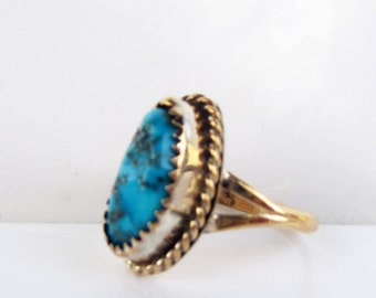 14KT Gold and Turquoise Ring Southwestern Style - Size 5.5      1307B
