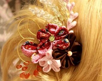Pince à cheveux d'inspiration japonaise en tissu traditionnel aux tons roses et taupe