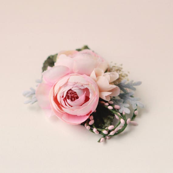 Pink flower hair clip, Floral bridal headpiece, Pink ranunculus clip, Baby's breath, Pastel sage, Unique wedding hair, Whimsical flower clip